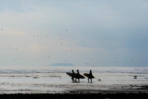 En strand ved eller i nærheten av gjestgiveriet