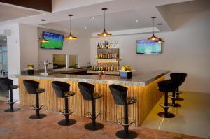 El salón o zona de bar de Cancun Bay Resort