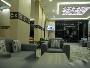 O saguão ou recepção de Dar Sadan Hotel Suites