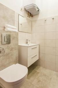 Łazienka w obiekcie Chrobrego przy plaży