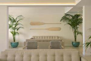 The lobby or reception area at Sunrise Gardens Aparthotel