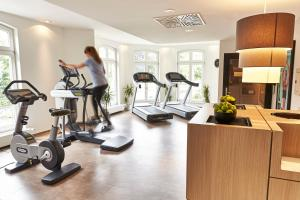 The fitness center and/or fitness facilities at Steigenberger Hotel Bad Homburg