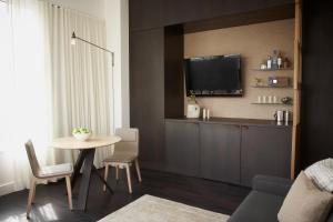 A television and/or entertainment centre at WestHouse Hotel New York