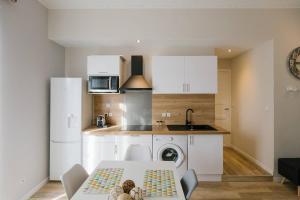 A kitchen or kitchenette at Flat Saint Charles