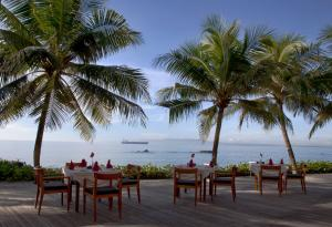 A restaurant or other place to eat at Candi Beach Resort & Spa