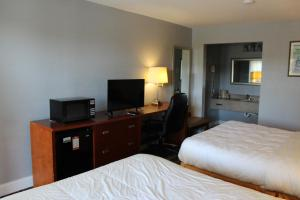 A television and/or entertainment center at Creekside Lands Inn
