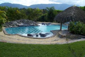 The swimming pool at or near Mi Vista Mountain Resort