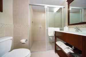 A bathroom at Hampton Inn & Suites Mexico City - Centro Historico