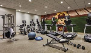 The fitness center and/or fitness facilities at Graduate Minneapolis