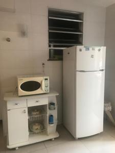 A kitchen or kitchenette at Apartamento Ano Bom