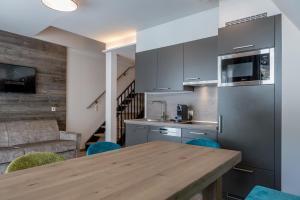 Kuchyňa alebo kuchynka v ubytovaní Top Apart Gaislachkogl