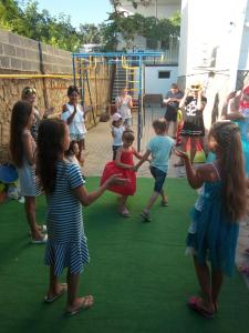 Дети в Golubaya Bukhta