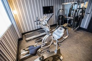 The fitness center and/or fitness facilities at The Chester Hotel