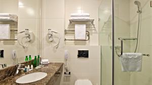Ванная комната в Гринвуд Отель
