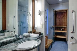 A bathroom at Santa's Hotel Santa Claus