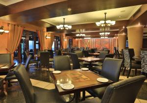 A restaurant or other place to eat at Emerald Resort & Casino
