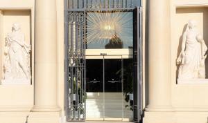 The facade or entrance of Iberostar Selection Paseo de Gracia 4 Sup