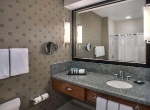 A bathroom at Hyatt Regency Pittsburgh International Airport