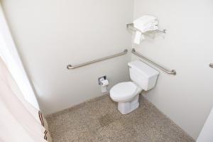 A bathroom at Best Western West Monroe Inn