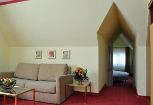 A seating area at Bad Hotel Bad Überkingen