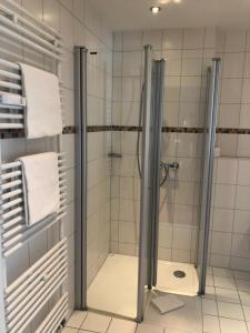 A bathroom at Hotel Rosenpark Laurensberg