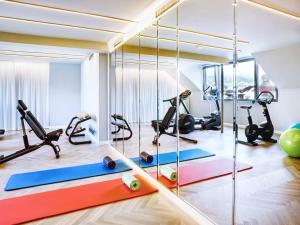 Das Fitnesscenter und/oder die Fitnesseinrichtungen in der Unterkunft STAGE 12 Hotel by Penz