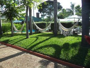 Jardín al aire libre en Hotel Jardines de Dayman