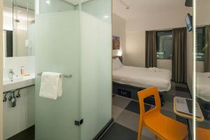 Ванная комната в easyHotel Amsterdam Zaandam