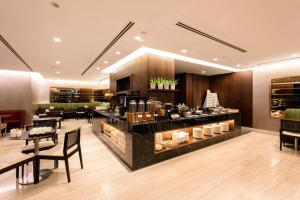 A restaurant or other place to eat at Fraser Suites Singapore (SG Clean)