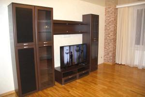 Телевизор и/или развлекательный центр в Apartment.Centre.Royal Gates