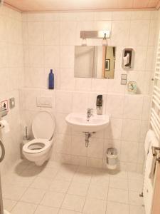 A bathroom at Hotel Restaurant Parthenon