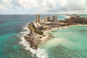 A bird's-eye view of Hyatt Ziva Cancun