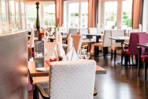 A restaurant or other place to eat at Hotel Freund