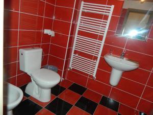 Kúpeľňa v ubytovaní Kaštieľ Biela Dáma a Čierny Rytier