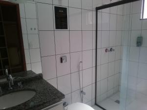 A bathroom at King Konfort Hotel