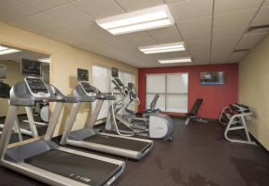 The fitness center and/or fitness facilities at TownePlace Suites by Marriott Bangor