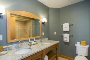 A bathroom at Trapp Family Lodge