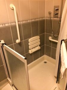 A bathroom at Borve House Hotel