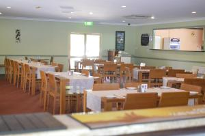 A restaurant or other place to eat at Heritage Resort