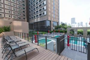 The swimming pool at or near Carlton Hotel Singapore (SG Clean)