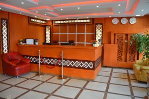 O saguão ou recepção de Bedour Al Shark Furnished Units