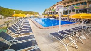 Piscina di Hotel Cartago - All Inclusive o nelle vicinanze