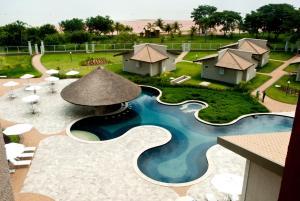 Uma vista da piscina em Resort da Ilha ou nos arredores