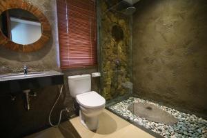 A bathroom at Villa Ubud Sunshine