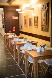 A restaurant or other place to eat at Art Hotel Milano