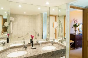 A bathroom at The Chelsea Harbour Hotel