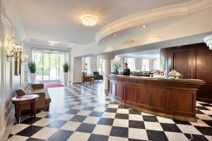 The lobby or reception area at Austria Trend Parkhotel Schönbrunn Wien