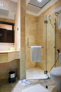 حمام في فندق أبراج الكسوة
