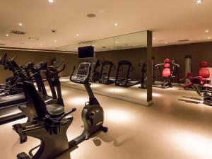 The fitness center and/or fitness facilities at DORMERO Hotel Altes Kaufhaus
