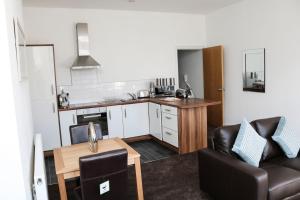 A kitchen or kitchenette at Parks Nest 2